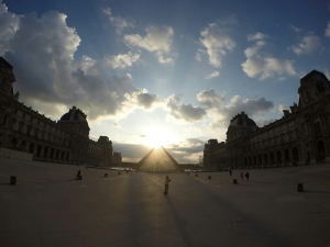 The Lourve looking incredible at sunset